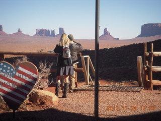 25 83q. Monument Valley - Goulding's - view