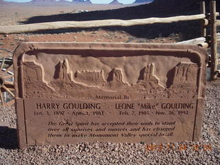 26 83q. Monument Valley - Goulding's - sign