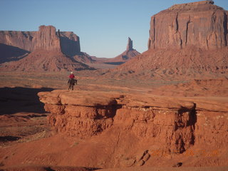 90 83q. Monument Valley tour - horseman at John Ford point