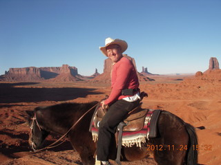 96 83q. Monument Valley tour - Adam on horseback at John Ford point