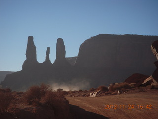 117 83q. Monument Valley tour - Three Sisters