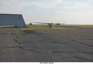 22 9sm. Riverton Airport - airplanes